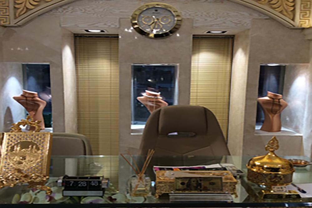 کاربرد تجاری شیشه هوشمند در طلا فروشی ها